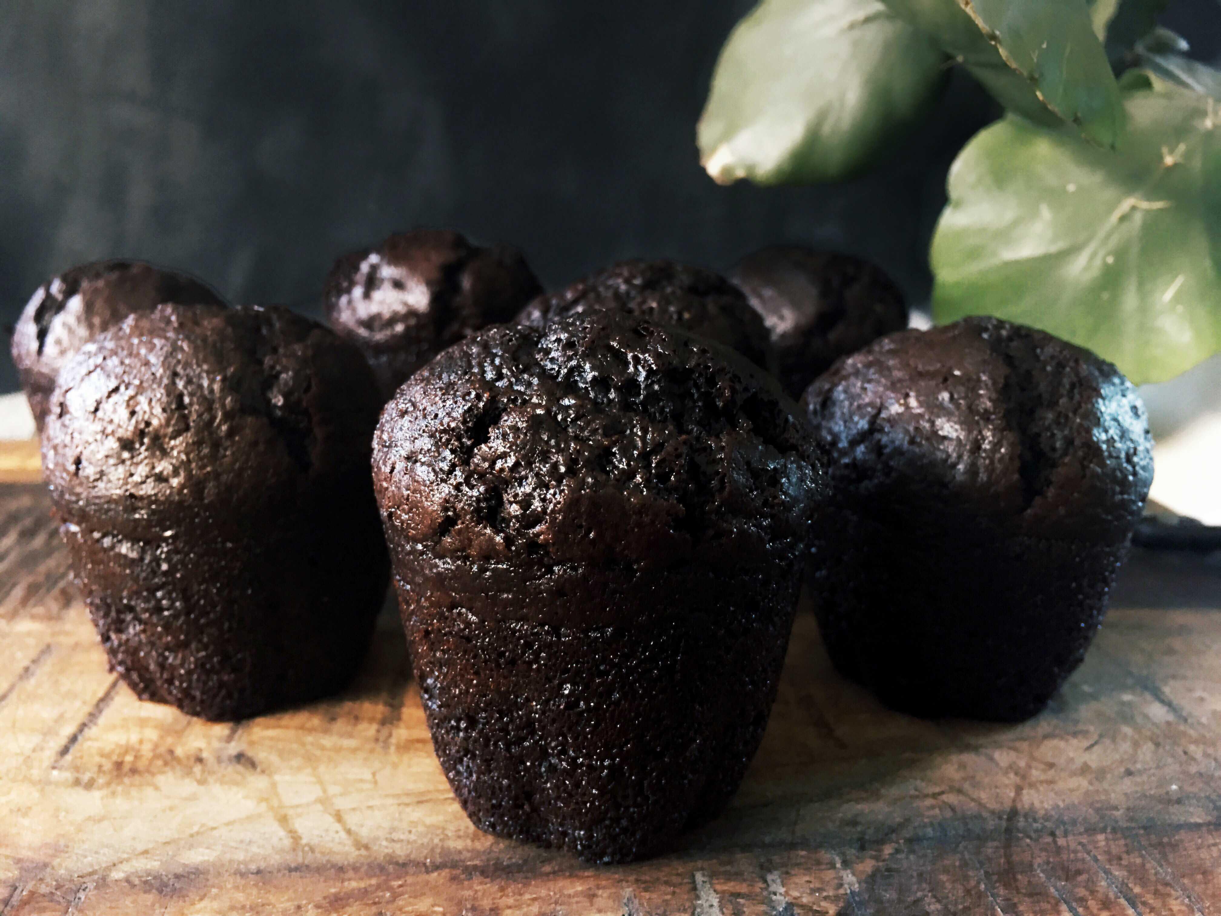Black Cupcake2