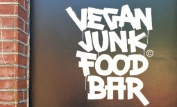 Hot Spot #6 – Vegan Junkfood Bar – Amsterdam